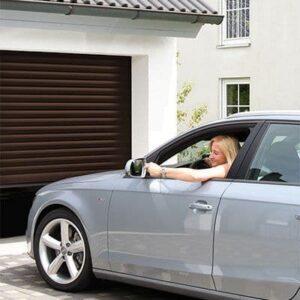 Ролетні ворота Alutech Prestige 2500×2200 AR 555 Горіх (Ручне управління)